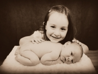 riley-ramirez-newborn-may-2014-0000040